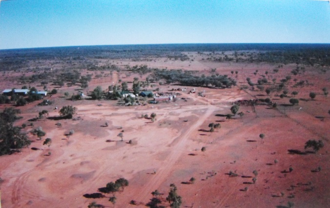 Aerial shot of homestead east of Enngonia, near Bourke.