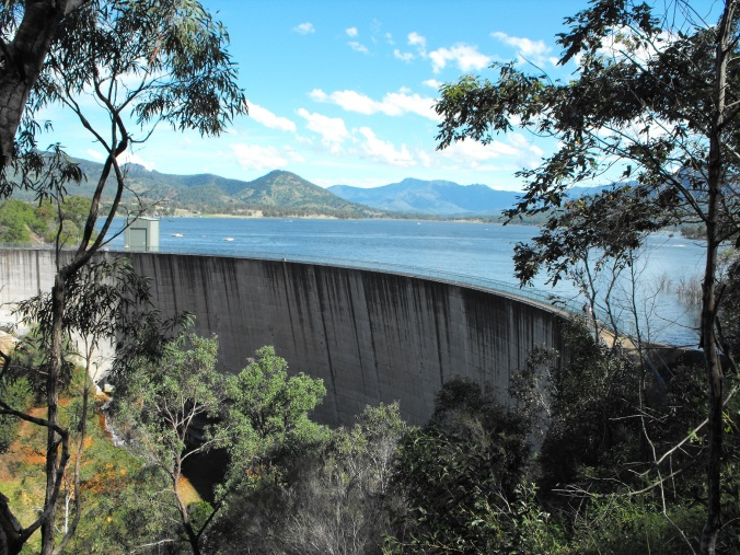 Lake Moogerah and dam wall