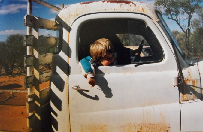 rusting-truck-outback