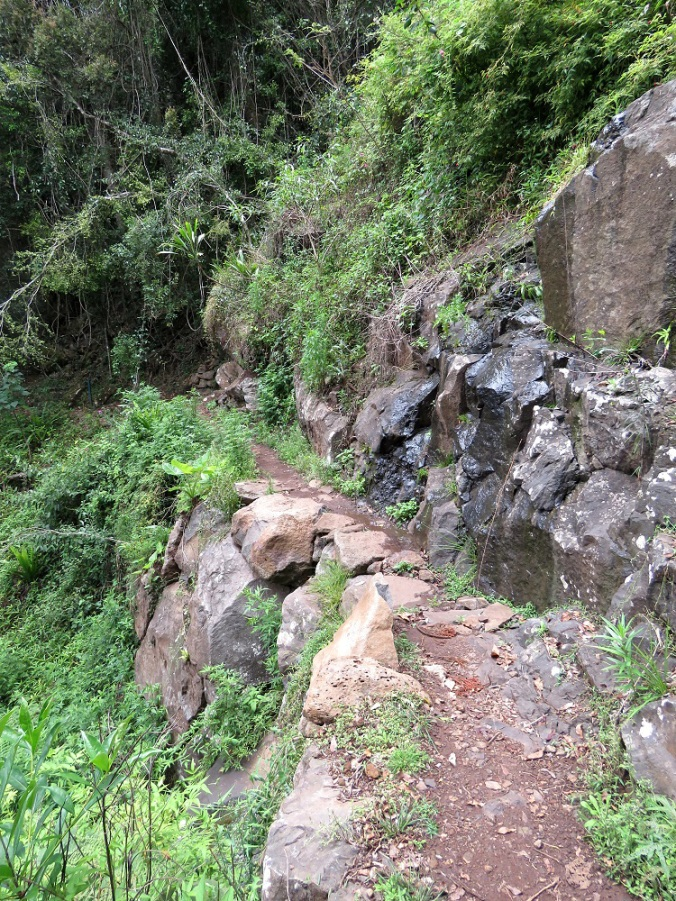 Ballanjui Falls Cliff paths
