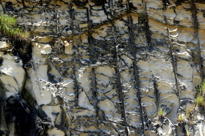 Wivenhoe rock layers