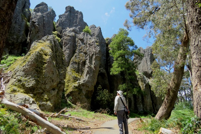 hanging-rock-pinnacles