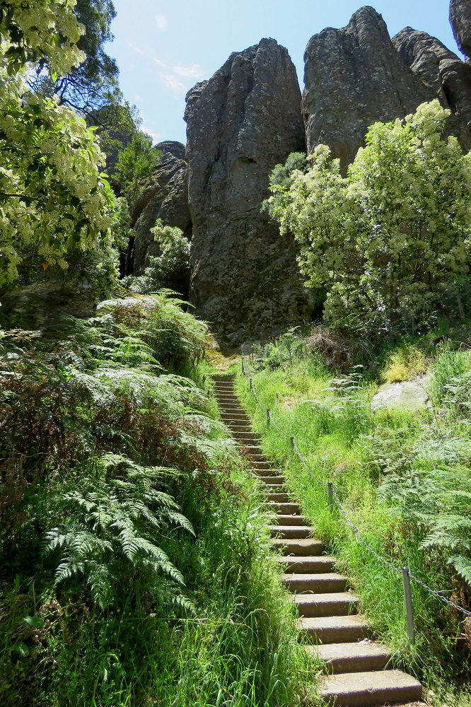 hanging-rock-steps
