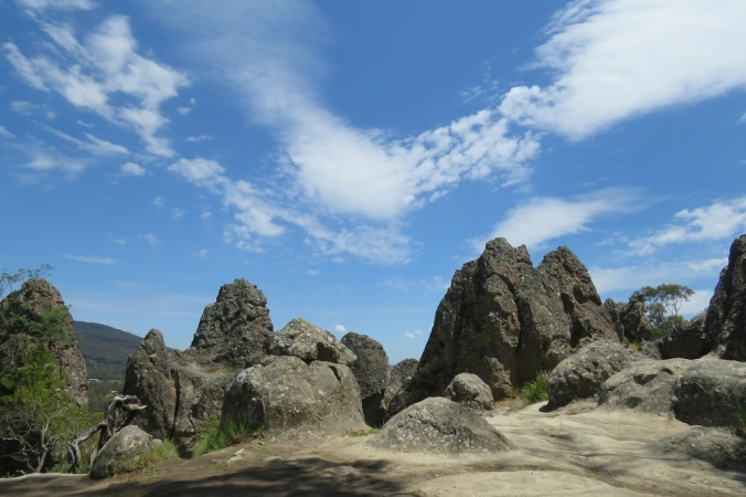 hanging-rock-formations-2
