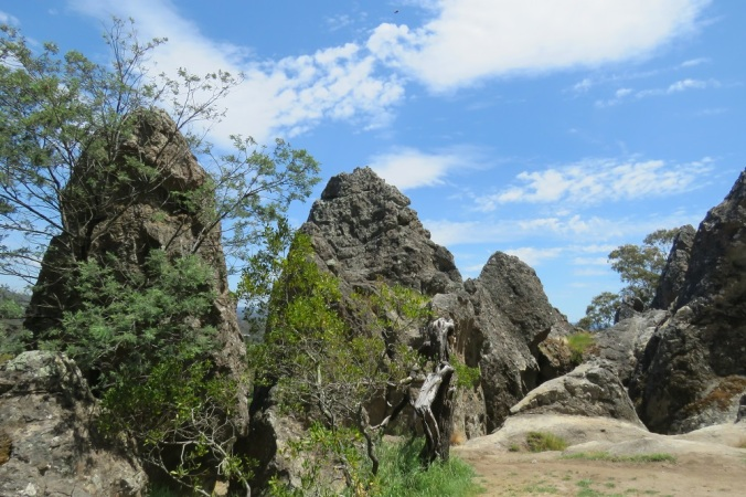 hanging-rock-formations