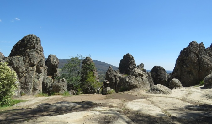 hanging-rock-formations-